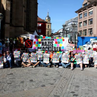 Symbolische Kurz-Blockade auf dem Kiliansplatz vor dem Naziaufmarsch am 1. Mai 2011