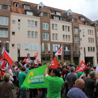 Mehr als 300 Menschen übertönen NPD-Kundgebung am 31. August 2013 in Heilbronn
