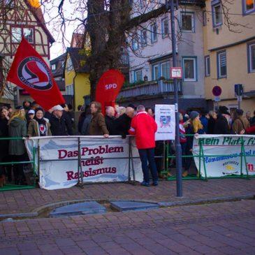 200 Menschen auf der Straße gegen Hohenloher Rassisten