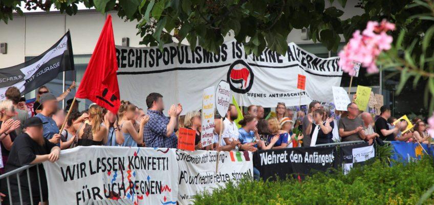 Protest gegen die AfD-Veranstaltung mit Alice Weidel in der Harmonie am 20. Juli 2018