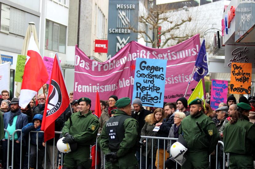 """Protest gegen die rechte Kundgebung """"Heilbronn wach auf"""" auf dem Kiliansplatz am 7. Februar 2016"""