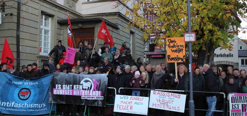 """Protest gegen eine Kundgebung der rechtsextremen Gruppe """"Hohenlohe wacht auf"""" in Öhringen am 19. November 2016"""