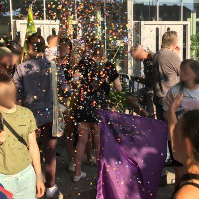 Konfettiregen auf der Kundgebung gegen die AfD am 20. Juli 2018